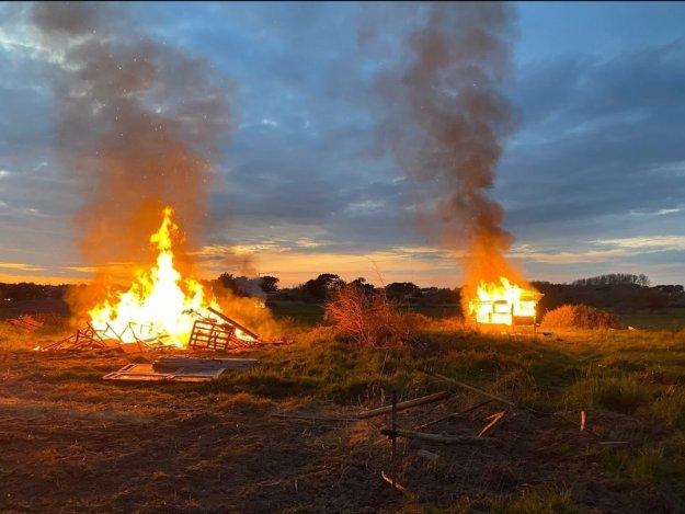 200411 - Zad de la Dune expulsée et brûlée à Bretignolles-sur-mer en Vendée le 8 avril 2020 2 - La Déviation