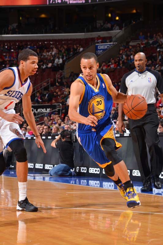 NBA Golden State Warriors point guard Stephen Curry playing against the Philadelphia 76ers.