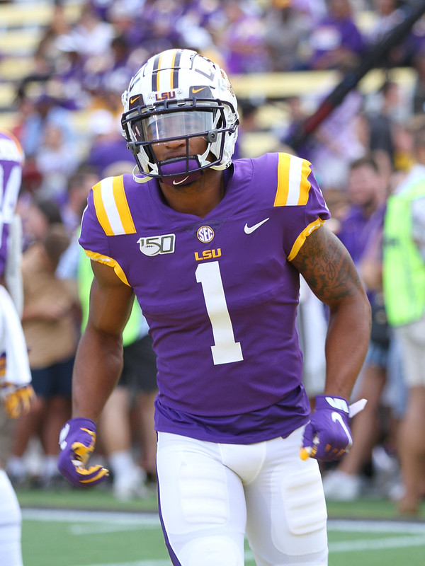 LSU wide receiver Ja'Marr Chase on the football field during a game.