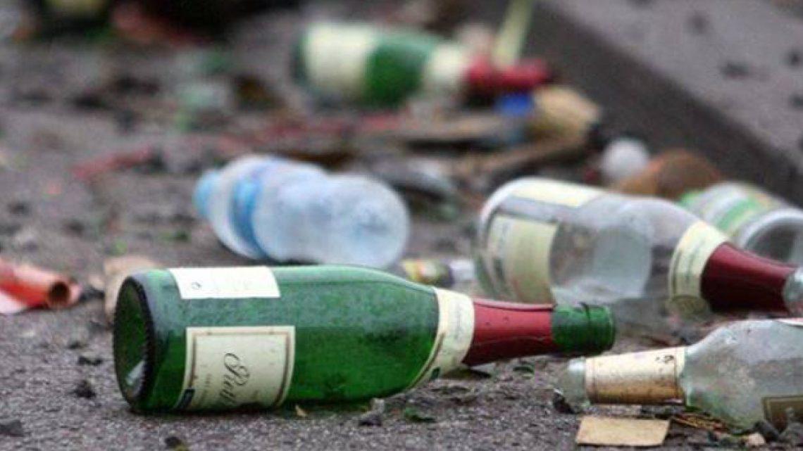 Divieto di vendita di bevande in bottiglie di vetro esteso anche ai locali sul Porto