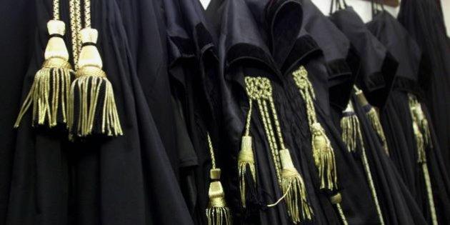 Magistrati corrotti a Trani, sotto inchiesta anche il pm Scimè e l'avvocato Ragno