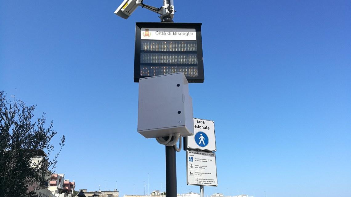 Varco elettronico per zona pedonale in via La Spiaggia. Angarano: «Più tranquillità per tutti»