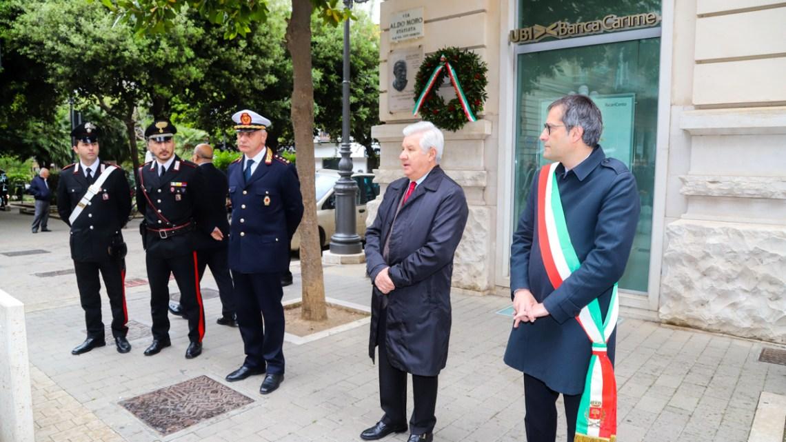 Giornata vittime terrorismo, anche in città ricordati Moro e agenti della scorta