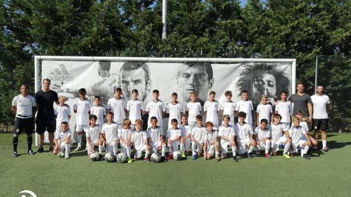 """Sognando di giocare con i """"blancos"""", la Fundaciòn Real Madrid Clinic al Centro Sportivo Ponte Lama"""