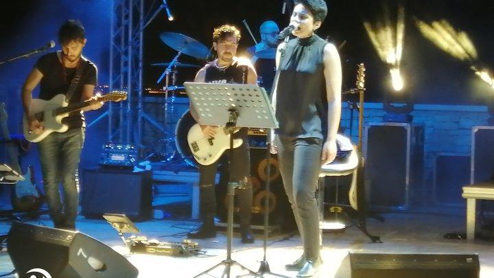 Concerto di Giordana Angi, l'organizzazione: «Teatro Mediterraneo in condizioni vergognose»
