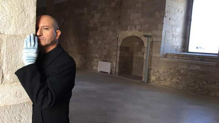 Amleto al Castello di Trani, il teatro itinerante del regista biscegliese Gianluigi Belsito