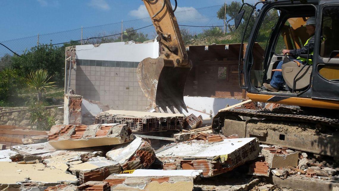 I partiti di centrodestra al Sindaco: si affronti il problema delle ordinanze di demolizione degli immobili non costruiti a norma al cimitero