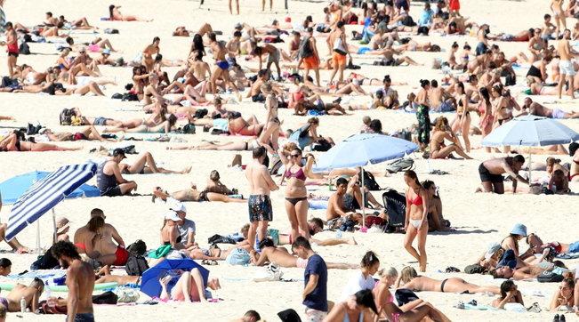Spiagge e centri storici affollati, voglia di uscire