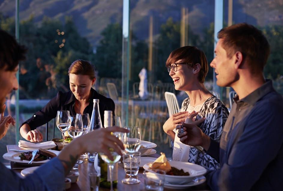 Fase 3: Puglia, al ristorante con amici non serve distanza