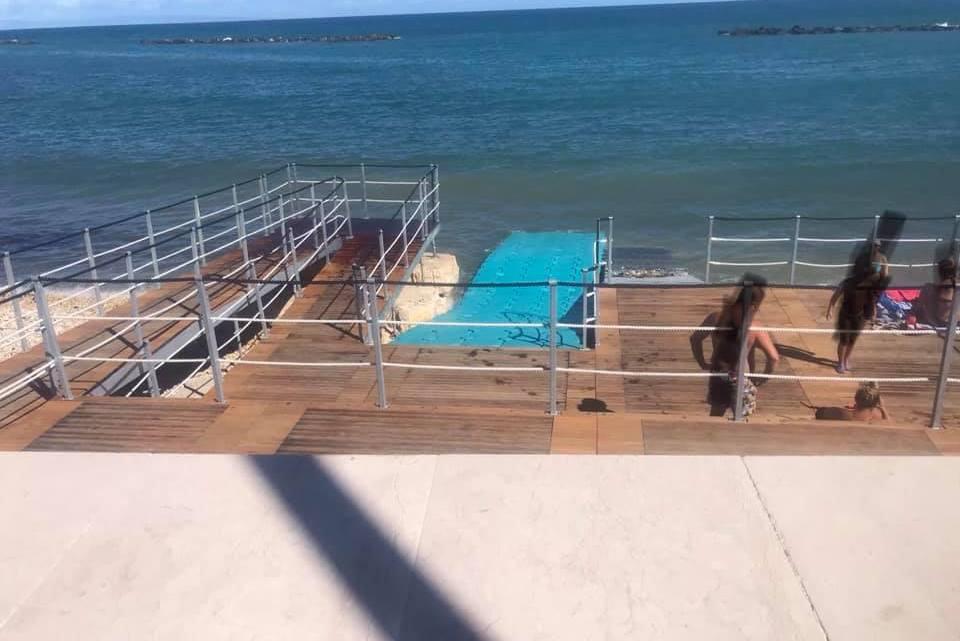 L'ex Consigliere comunale Simone: «Disabili non assistiti, questa mattina, nella nuova struttura balneare»