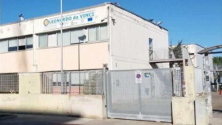 """Si dimette Modugno, il Preside del Liceo """"Da Vinci"""": «Io denigrato, vilipeso e infangato»"""