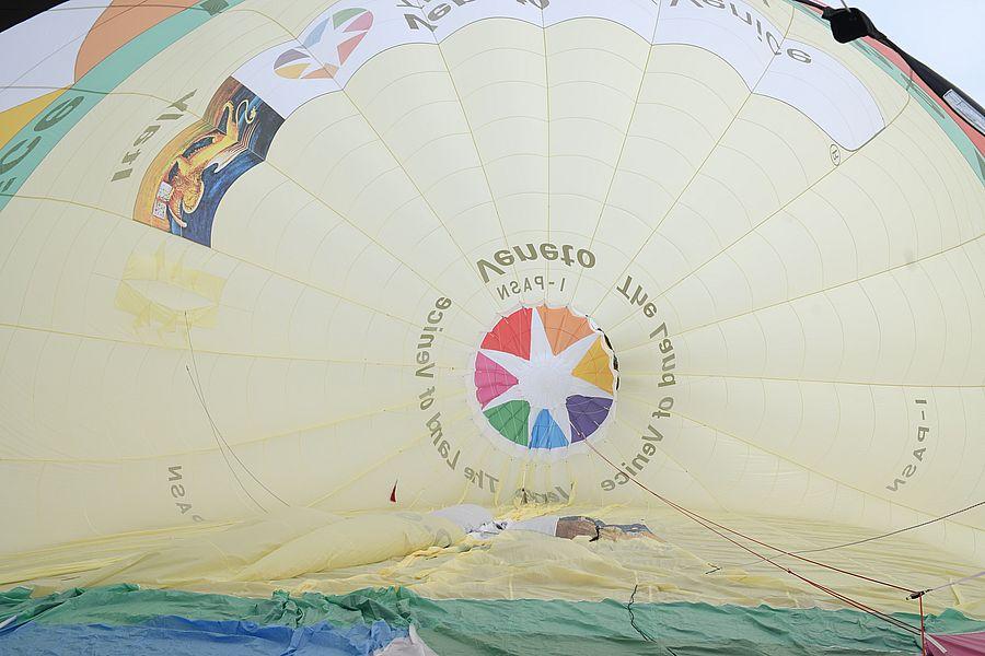 """Presentato l'aerostato """"Veneto, the Land of Venice"""", prima del trasferimento a Cortina per i mondiali di sci alpino"""