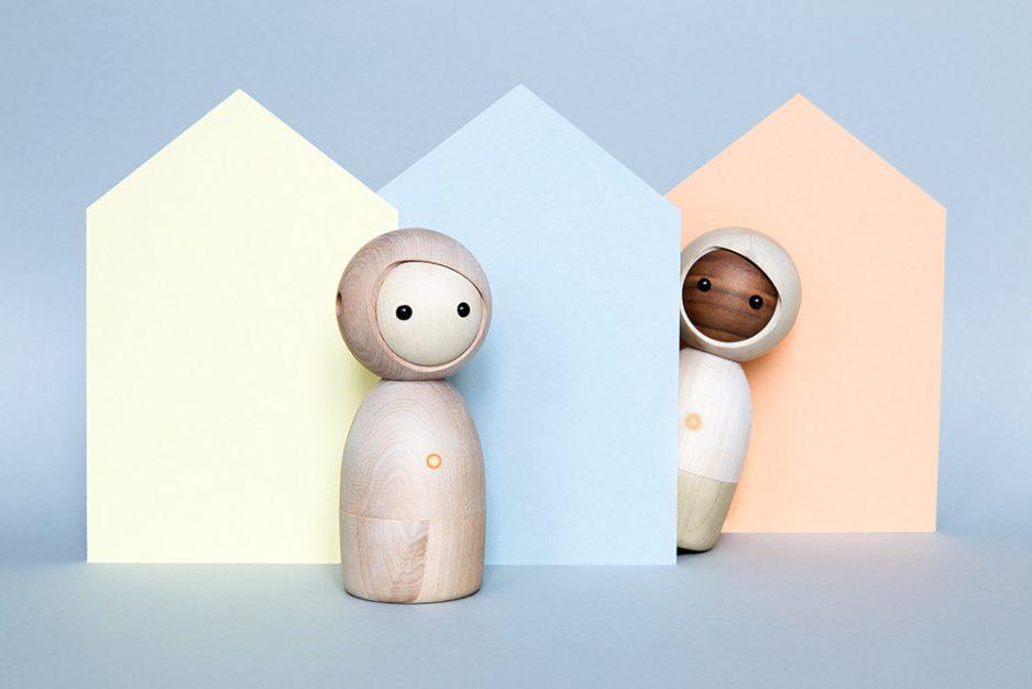 Avaikai_twins_wood_houses