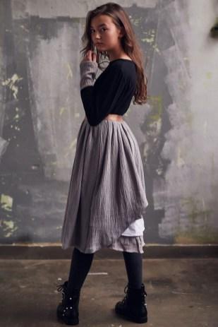 Dots Blouse & Swan Skirt3_Easy-Resize.com