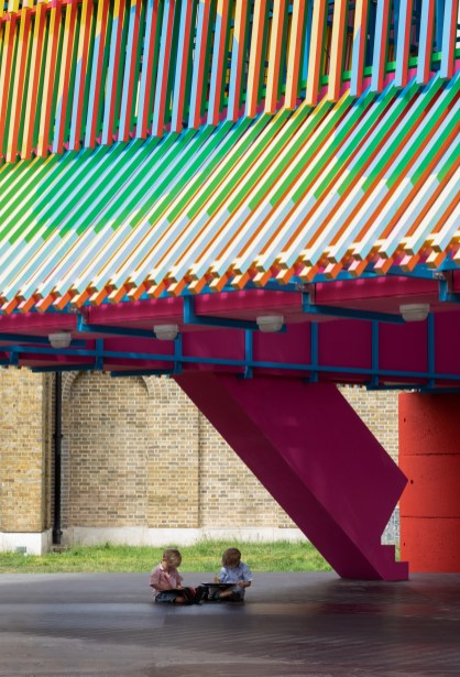yinka-ilori-pricegore-dulwich-pavilion-the-colour-palace-dulwich-picture-gallery_dezeen_2364_col_9