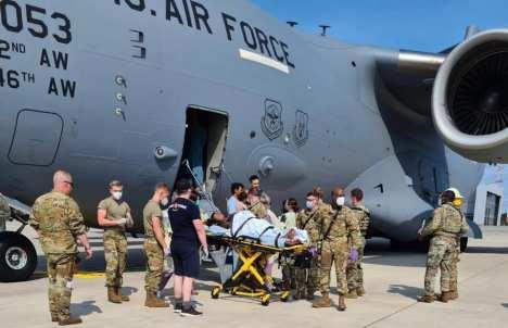 porod-w-samolocie-afganka-ladnebebe