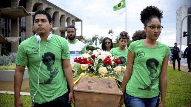 Jovens negros brasileiros