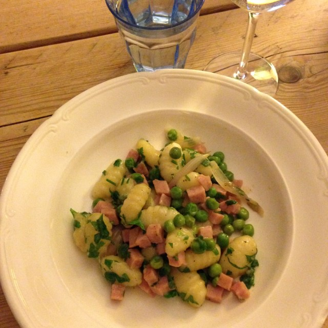 gnocchi with ham and peas