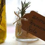 Zitronen-Rosmarin-Salz und Öl selber machen