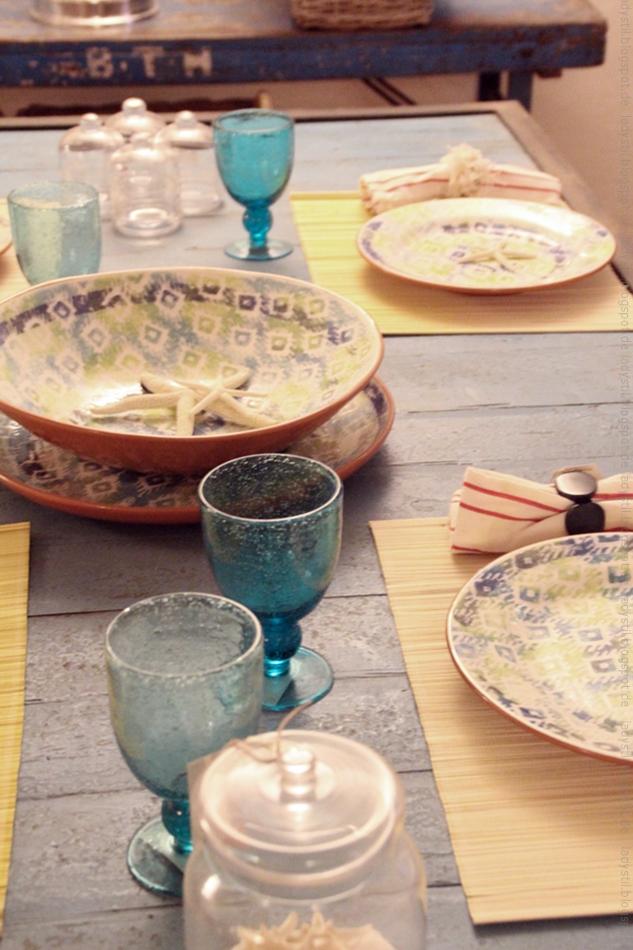 gedeckter Tisch mit Keramik im Bondian Living