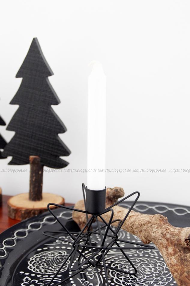 schwarzer Tannenbaum aus Holz