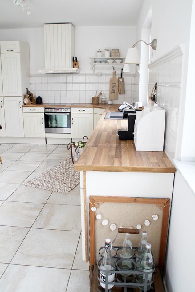 Tipps zur Küchenrenovierung, Tipps zum Tapeten entfernen, Ablösen von Tapeten, Küche streichen,Vorher Nachher Vergleich Renovierung,