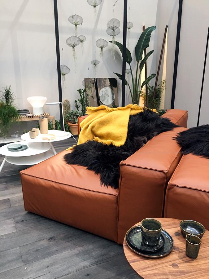 Thema Gelb bei den Accessoires Internationalen Möbelmesse imm2017 in Köln mit Herstellern wie String, Vita, Bloomingville,Cane-line und Carolijn Slottje