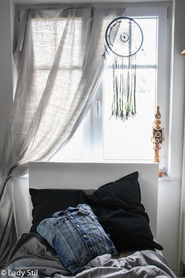 Schlafzimmer Fenster mit Traumfänger