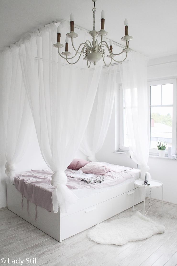 sch nstes und g nstigstes diy himmelbett anleitung zum selberbauen lady. Black Bedroom Furniture Sets. Home Design Ideas