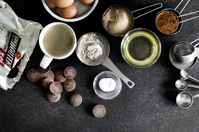 triple-chocolate-cupcake01