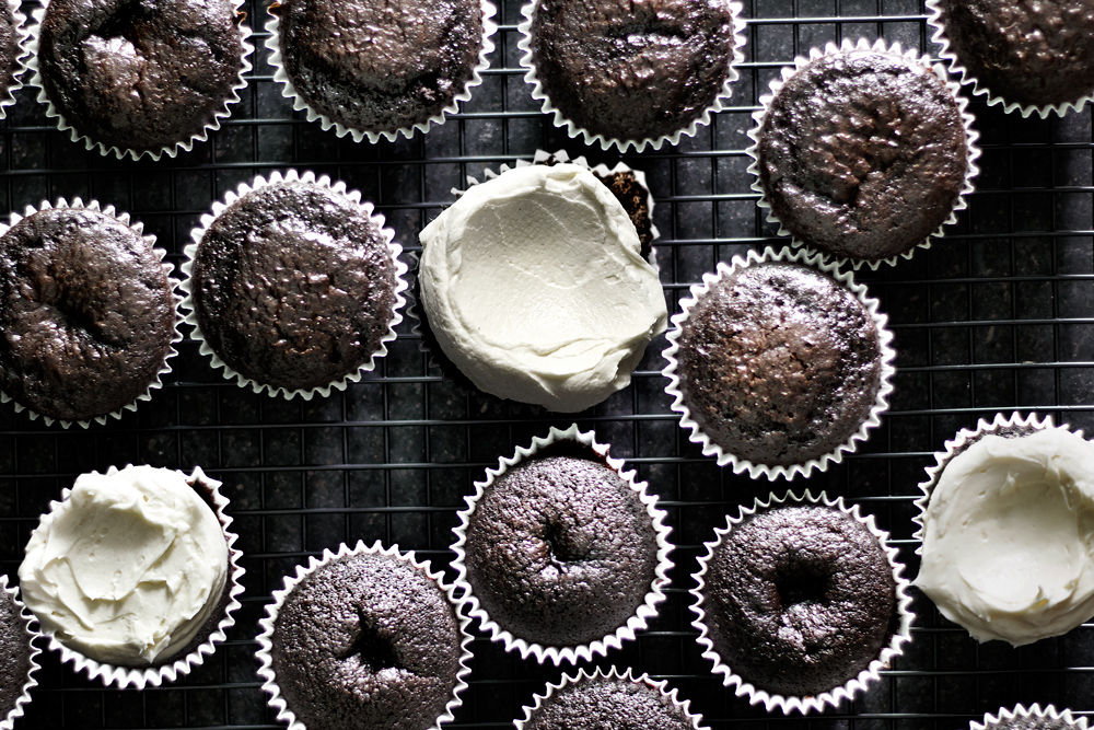 triple-chocolate-cupcake07