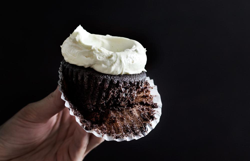 triple-chocolate-cupcake15