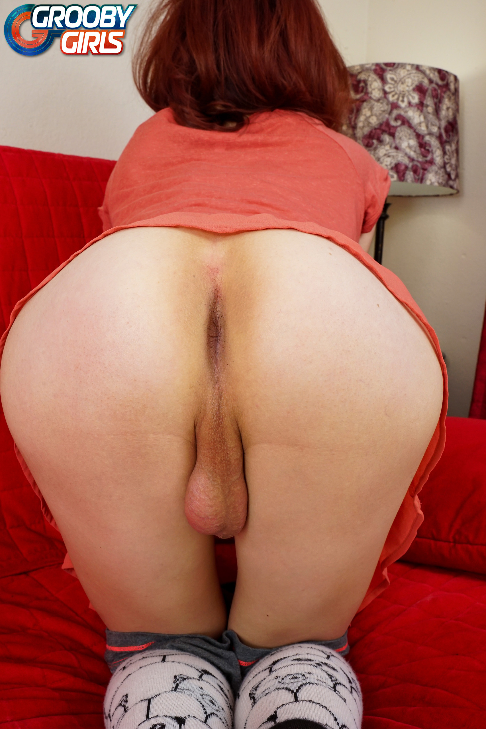 Amazing shemale gets her hot ass bareback fuc 2