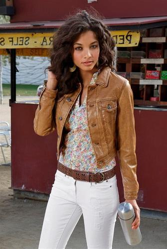 Fashionable colors of jackets for spring and autumn 27