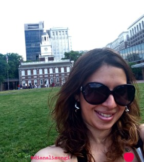 Selfie next to Independence Hall
