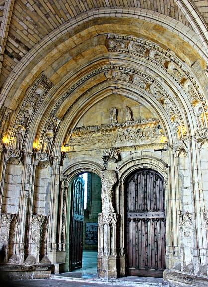 Popes-Palace-door