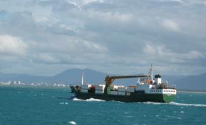 cargo_boat