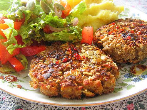 Vegan lentil patties. Picture by rusvaplauke via Flickr CC BY 2.0