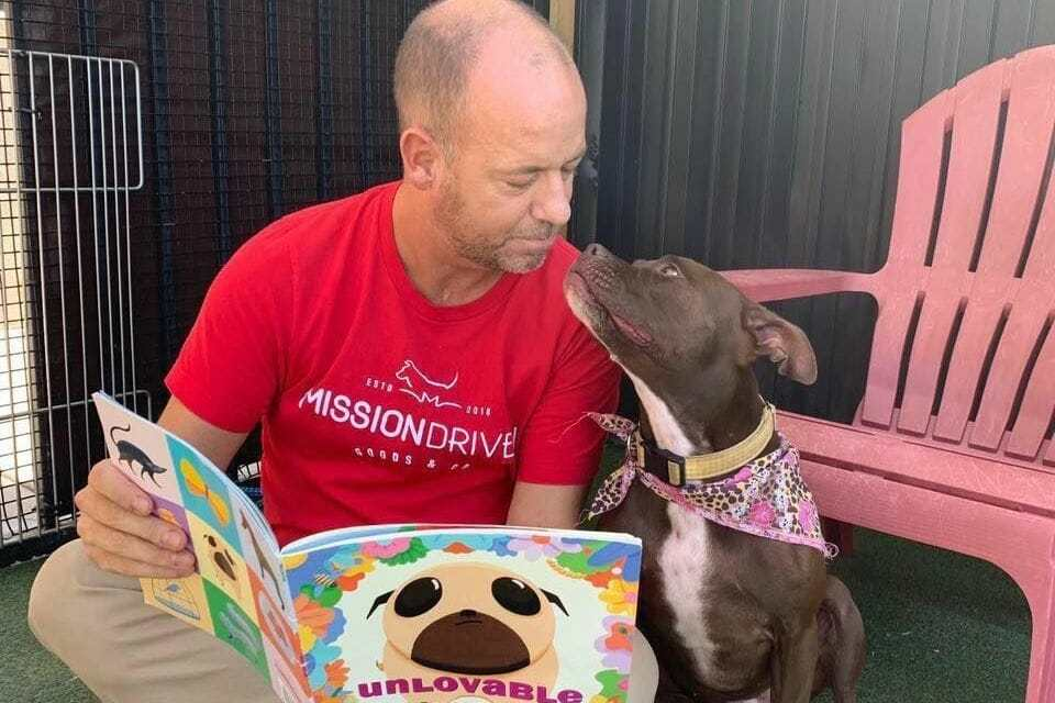 Man Moves into Rescue Shelter to Help Lonely Dog Find A Forever Home