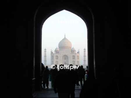 entering in the Taj Mahal