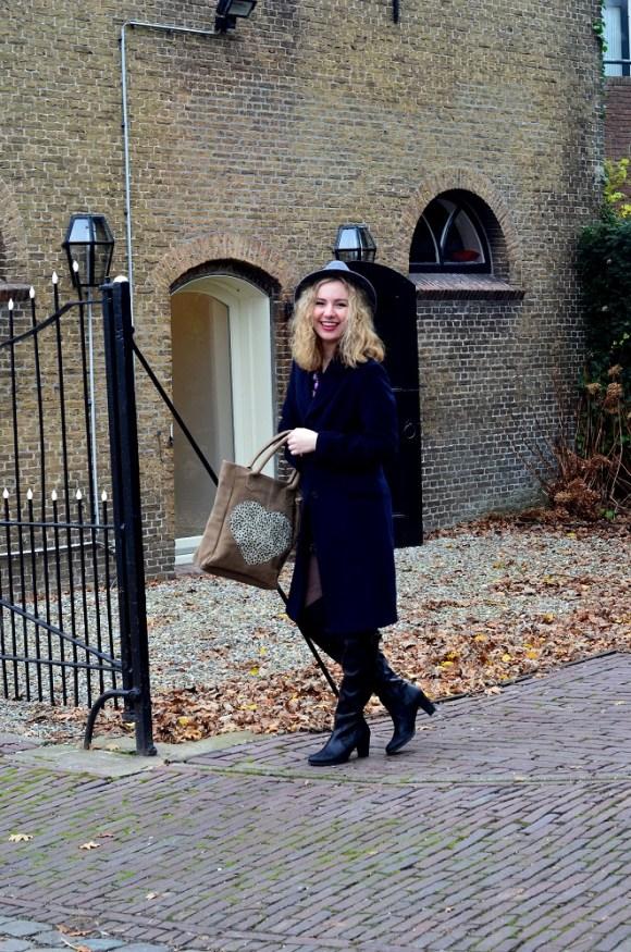 Gooische Vrouwen 2, Classic Long Coat, Having Fun, Smile