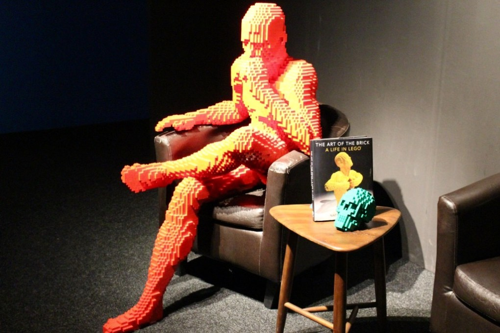 alt-the-art-of-the-brick-red-man