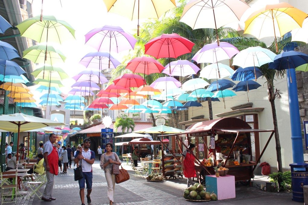 alt-port-louis-mauritius-umbrella-colorful-parapluie