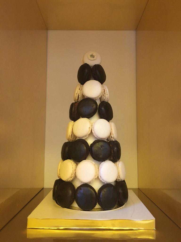 alt-montagne-macarons-noir-blanc