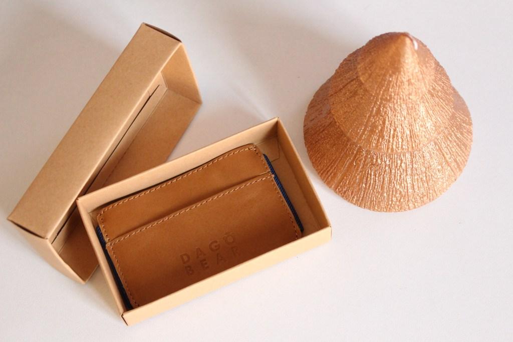 alt-idées-cadeaux-homme-porte-carte-dagobear-cuir-homme