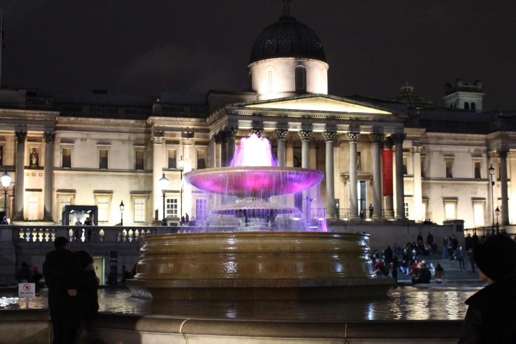 alt-Trafalgar-Square-londres-nuit-lumières-décoration