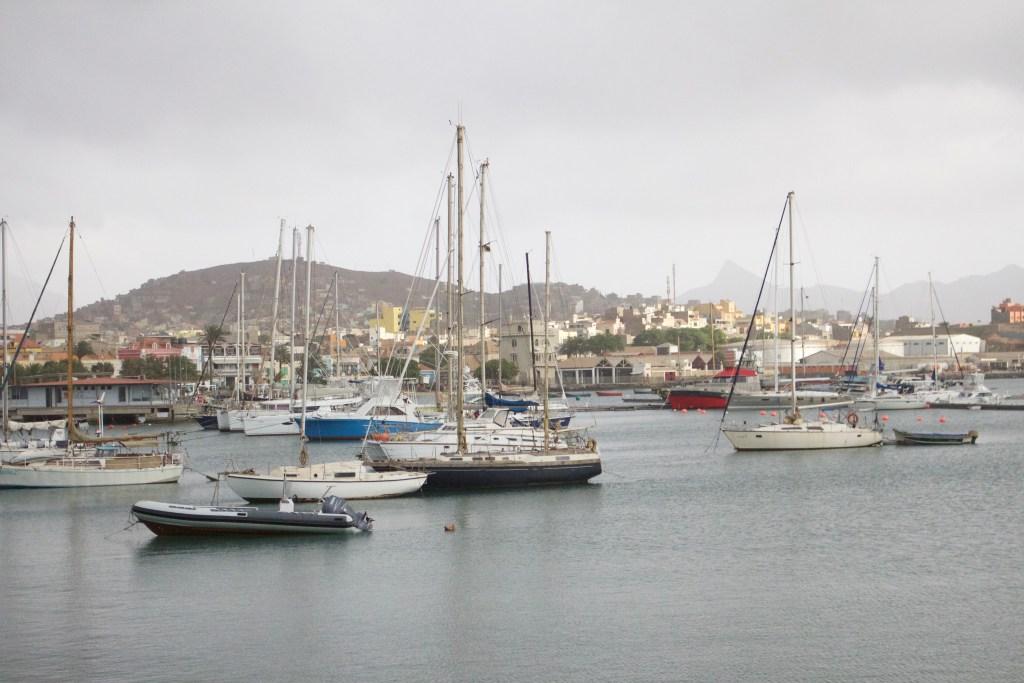 alt-bateaux-port-ile-sao-vicente-cap-vert