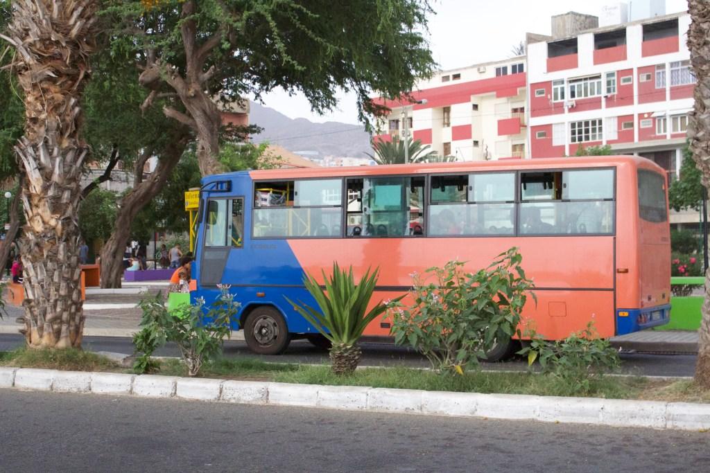alt-bus-ile-sao-vicente-cap-vert