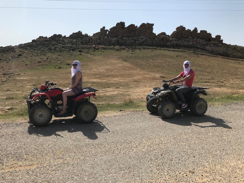 alt-quad-hammamet-tunisie-touristes