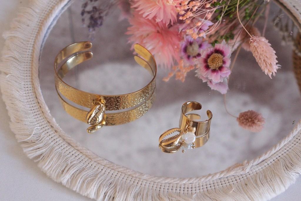alt-shell-bijoux-dorés